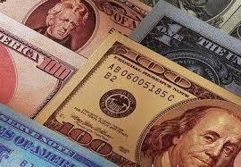Доллар дешевеет на «черном рынке»