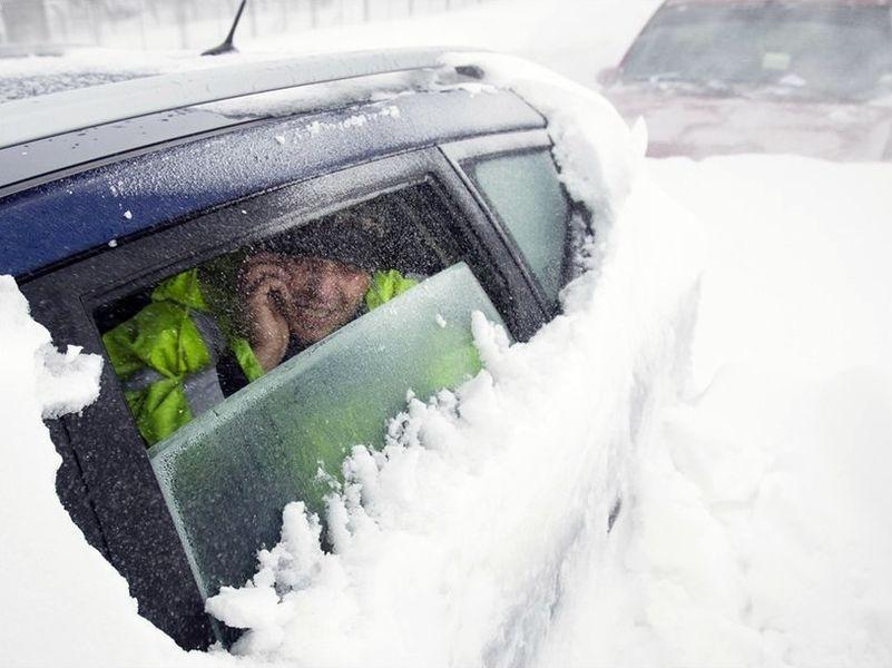 В связи с тяжелыми погодными условиями в Запорожской области ограничат движение транспорта