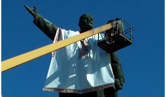 Запорожский террорист угрожает взрывами за снос памятника Ленину