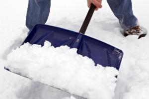 Чиновники хотят, чтобы запорожцы убирали снег