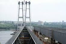 Недостроенным запорожским мостам угрожает разворовывание