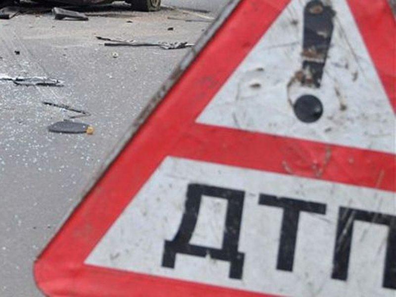 В Запорожской области маршрутка въехала в электроопору: 11 пострадавших
