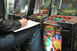 По наводке общественников в Запорожье ликвидирован очередной зал игровых автоматов