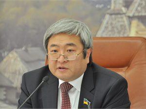 Запорожский мэр не хочет видеть подчиненных в депутатских креслах