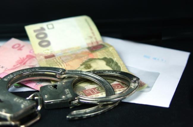 В Запорожской области лидер ОПГ пытался подкупить правоохранителя, чтобы снова не попасть за решетку - ФОТО