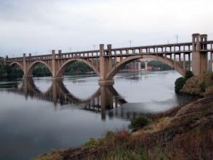 Александр Син предлагает ремонтировать запорожские мосты ночью