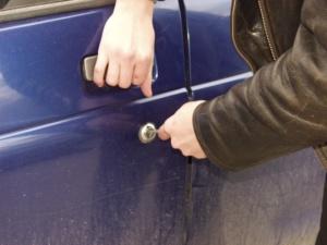 В Запорожье сын угнал автомобиль своей матери
