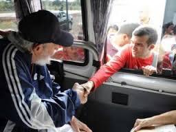 Кубинцам показали живого Фиделя Кастро