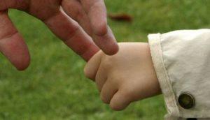 Вывезенных тайно из зоны АТО детей вернули отцу