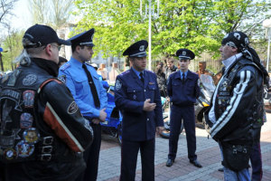Запорожские байкеры официально открыли сезон дружбы с ГАИ