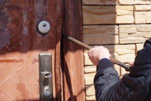 Дачный вор украл у запорожца оборудование для работы и отдыха