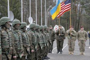 Американские военные атташе побывали в зоне АТО