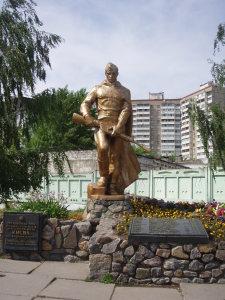 Ревизия запорожских памятников ко Дню победы дает неутешительные результаты