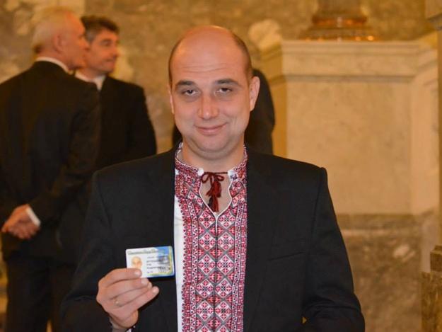 Запорожский нардеп Артюшенко официально заработал в прошлом году 8 тысяч гривен