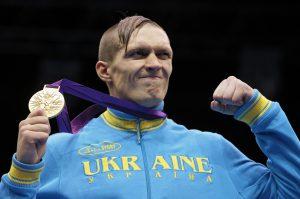 Российский политик предложил запретить боксеру Усику въезд в Крым
