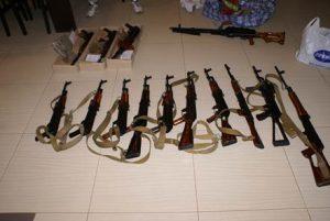 Запорожский суд отпустил одного из подозреваемых в торговле оружием под домашний арест