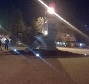 За ночь в Харькове снесли три памятника советской эпохи