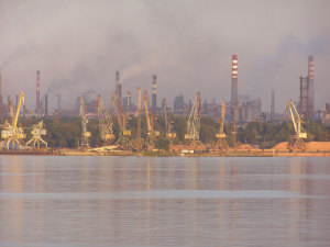 Запорожская промышленность продолжает падать
