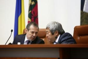 Секретарь запорожского горсовета зарабатывает меньше мэра