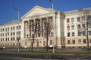 В запорожской мэрии чиновники  не могут определиться с расходами на свой автопарк