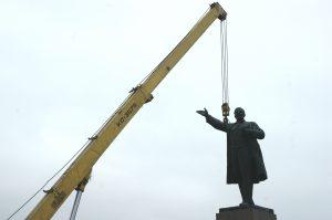 Украинских Лениных могут переселить в Пирогово
