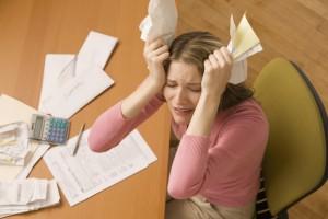 Четверти населения Украины коммунальные платежи не по карману