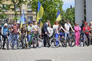 Участники праздничной велоэстфеты преодолели 450 километров запорожских дорог