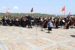 На крыше запорожского музея впервые сыграл симфонический оркестр