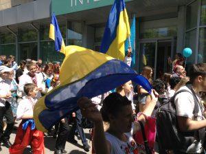 В Запорожье сотни запорожцев прошлись  Маршем вышиванок