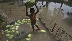 В Индии от жары погибло более двух тысяч человек