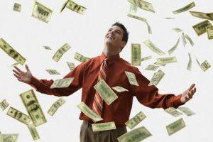В Запорожской области проживает 99 официальных миллионеров