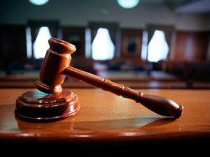 В Запорожье суд оставил за решеткой молодого парня, который пытался убить отца и мачеху