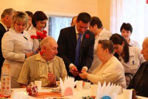 Запорожским ветеранам доплатят ко Дню Победы по 500 гривен