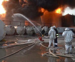 Власть обещает выплатить по 200 тысяч гривен семьям погибших под Киевом пожарных