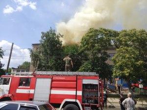 В запорожской школе, где ликвидируется масштабный пожар, работал пришкольный лагерь
