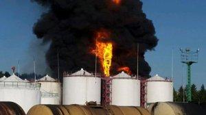 МЧС: пожар в Глевахе тушат круглосуточно, на место прибыл Аваков
