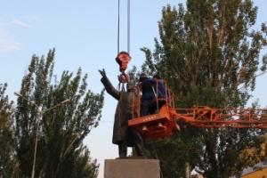 Запорожские города активно декоммунизируются