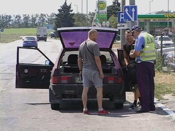На запорожском блокпосту милиционеры задержали партию боеприпасов из зоны АТО