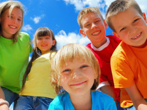 Две тысячи запорожских детей проведут лето в городе
