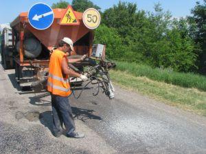 Дорожники заявляют, что залатали все ямы на главных запорожских дорогах