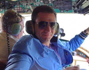 Запорожский губернатор  полетал за штурвалом вертолёта Богуслаева