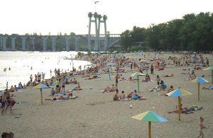 Из семнадцати запорожских пляжей только три открыты официально