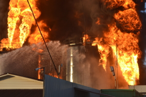 Из-за неисправности печного отопления в Запорожской области сгорел гараж, летняя кухня и сарай