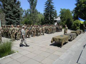 Военные намерены призвать на июньские сборы 500 запорожцев