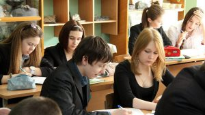 Украинским школьникам опять обещают двенадцатилетнюю систему обучения