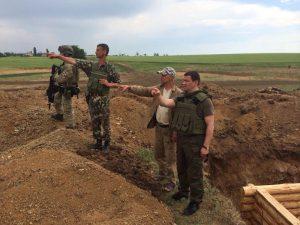 Запорожскую ОГА отчитали за низкие темпы строительства оборонных сооружений в зоне АТО