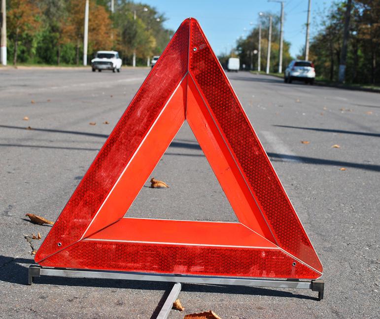 На трассе в Запорожской области грузовик снес «Жигули»: двое людей мертвы