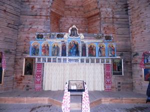 Старинный иконостас, подаренный Анисимовым, будет установлен в храме на Анголенко