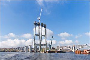 На запорожских мостах задержаны грабители, пытавшиеся украсть 40 тонн металлоконструкций