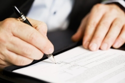 Запорожских работодателей обязали сообщать фискалам  о приеме на работу новых сотрудников